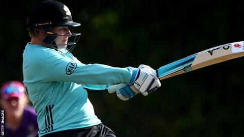 Lizelle Lee batting for Surrey Stars