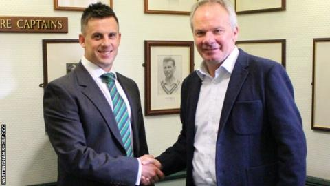 Steven Mullaney with Nottinghamshire director of cricket Mick Newell