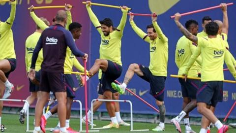 Luis Suarez and Lionel Messi training with Barcelona following the coronavirus suspension