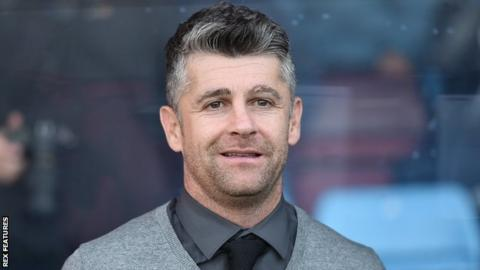 Oldham manager Stephen Robinson