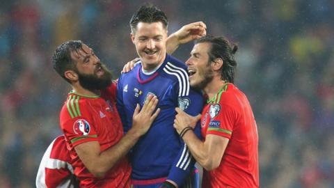 Joe Ledley, Wayne Hennessey, Gareth Bale