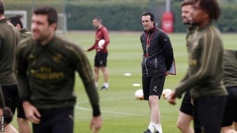 Arsenal boss Emery happy both strikers on scoresheet for Valencia win