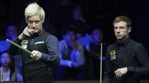 Neil Robertson (left) and Jack Lisowski