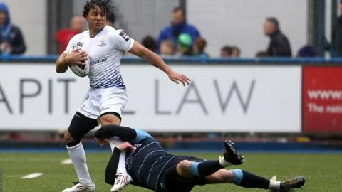 Isa Nacewa takes on the Cardiff Blues defence