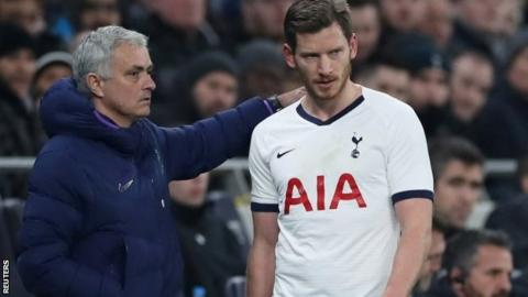 Tottenham boss Jose Mourinho and Jan Vertonghen