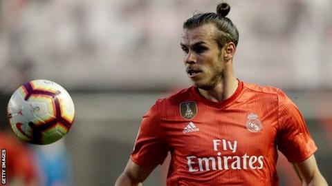 Gareth Bale controls the ball for Real Madrid