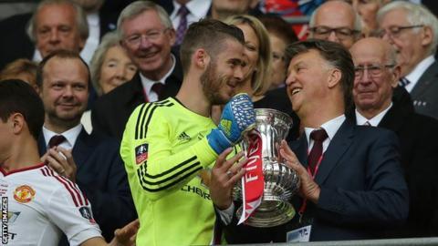 7cf50eea4fa Louis van Gaal and David de Gea celebrate the FA Cup win of 2016, with