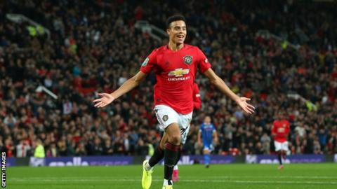 Mason Greenwood signs new contract until 2023