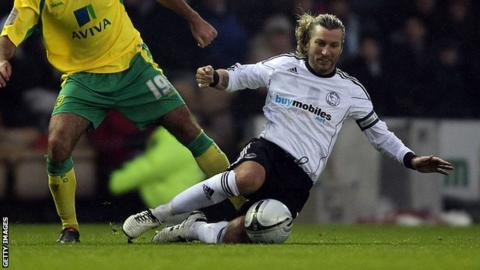 Robbie Savage playing for Derby County