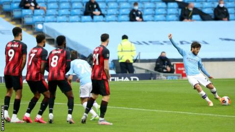 Manchester City 2-1 Bournemouth: David Silva scores a free kick