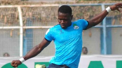 Nigerian footballer Chineme Martins slumps and die during a league game