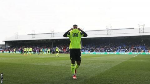 Huddersfield's Elias Kachunga