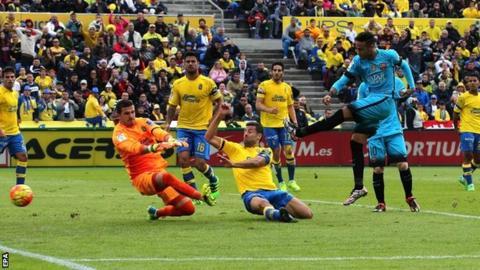 Neymar scores Barca's second