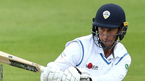 Wayne Madsen hit 10 fours for his 62 in Derbyshire's second innings