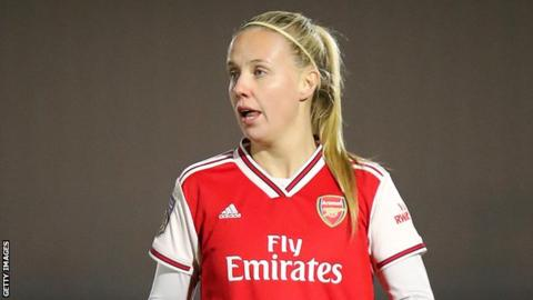 Beth Mead in action for Arsenal Women
