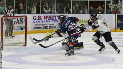 Charles Corcoran scores for Dundee Stars against Manchester Storm