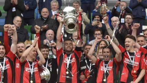 Crusaders lift Irish Cup