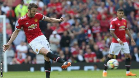Carrick sets up Man United victor  ahead of coaching switch
