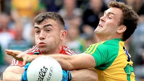 Cork's Peter Kelleher and Donegal's Eamon McGee