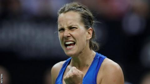 Czech team leads 2-0 in tennis Fed Cup final against USA