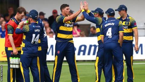 South African paceman Marchant de Lange has two years remaining on his Glamorgan deal