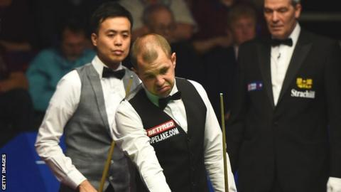 Marco Fu and Barry Hawkins