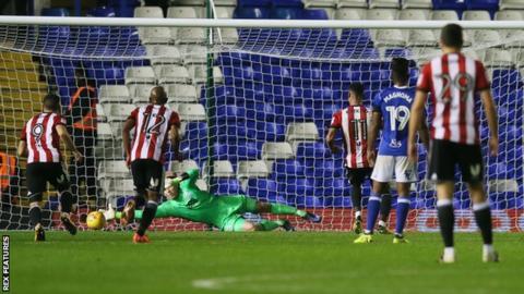 Ollie Watkins scores for Brentford