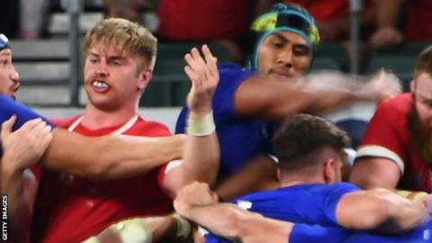 World Rugby investigating photo of referee Peyper 'mocking Vahaamahina elbow'