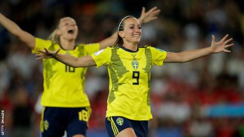 Kosovare Asllani celebrating scoring for Sweden