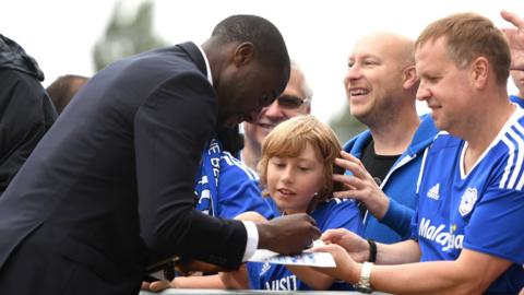 Sol Bamba signs autographs for Cardiff fans