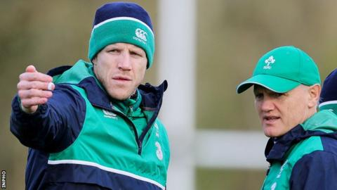 Ireland forwards coach Simon Easterby (left) with Joe Schmidt