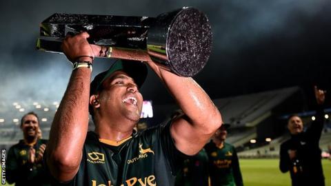 Samit Patel with the T20 Blast trophy