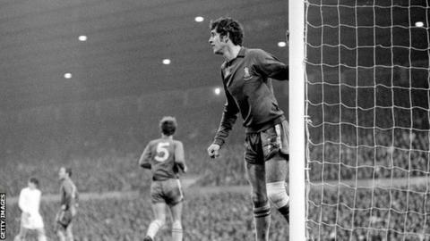 Peter Bonetti, Chelsea's legendary goalkeeper, dies aged 78