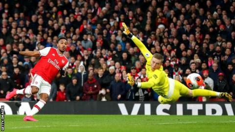 Pierre-Emerick Aubameyang scores for Arsenal