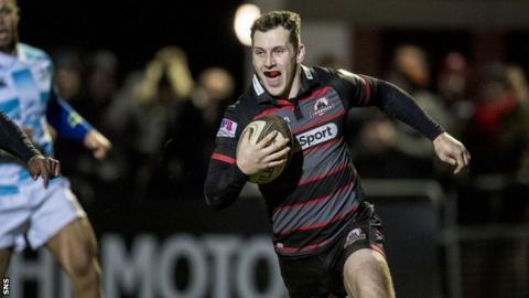 Mark Bennett races in to score a try for Edinburgh against Leinster