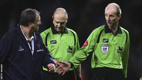 Neil Warnock (left) with Mike Riley (right)