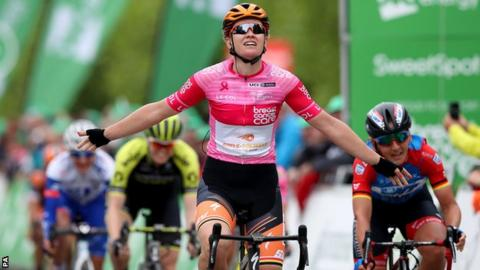 Jolien D'Hoore wins stage three of the Women's Tour