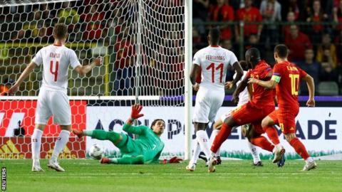 Belgium 2 1 Switzerland Romelu Lukaku Scores Twice As Hosts Win In