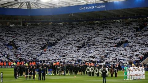 Fans paid tribute to Vichai Srivaddhanaprabha, who was among five people to lose their lives in a helicopter crash, before kick-off
