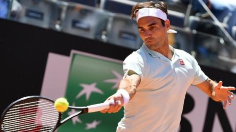 Federer pulls out of Italian Open with leg injury
