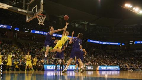 Holy Cross in action against the University of Oregon in March