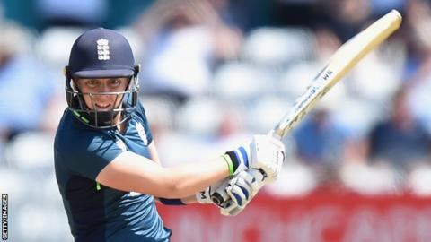 Katherine Brunt five for restricts India women to 205-8