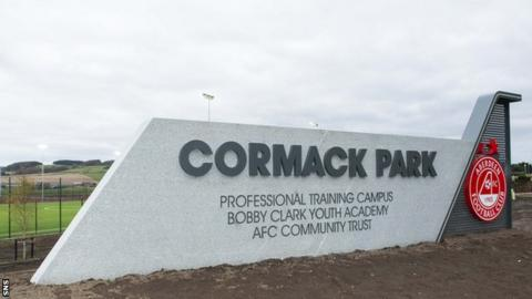 Aberdeen were permitted to begin full contact training at their Cormack Park base on Monday