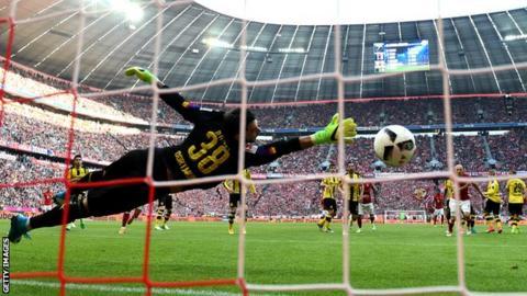 Robert Lewandowski has scored 25 Bundesliga goals this season