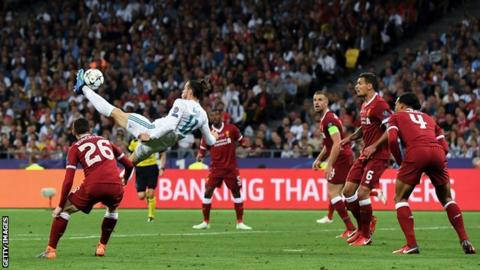 Gareth Bale scores an overhead kick against Liverpool in the 2018 Champions League final
