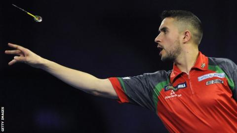 Jamie Lewis beat Daryl Gurney in a deciding set at the PDC World Darts Championship