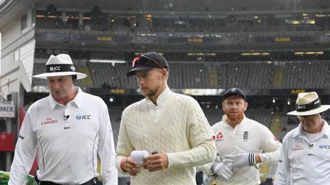 Paul Reiffel, Joe Root