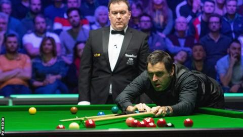 Ronnie O'Sullivan takes a shot
