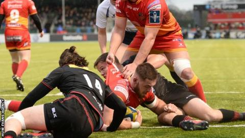Harrison Keddie scored the game's opening try as Dragons lost at Saracens