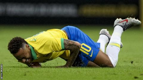 Neymar suffers injury during a friendly game for Brazil